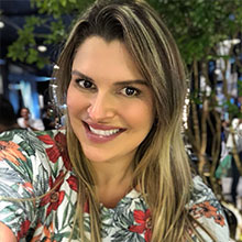 Dra. Patrícia Guimarães